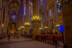 帕尔马,西班牙- 2017年8月18日:享受圣玛丽亚大教堂的内部看法未认出的人民  免版税库存照片