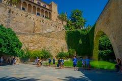 帕尔马,西班牙- 2017年8月18日:未认出人走室内帕尔马La圣玛丽亚大教堂  免版税库存图片