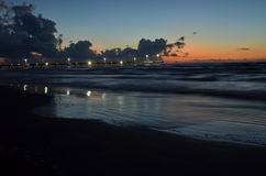 帕德雷岛海滩被点燃的码头科珀斯克里斯蒂,得克萨斯 免版税库存图片