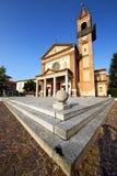 帕拉比亚戈在老教会封锁了砖边路意大利l 免版税库存图片