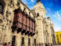 帕拉西奥arzobispal de利马, plaza de armas,利马秘鲁 免版税图库摄影