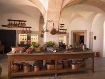 帕拉西奥da贝纳的厨房在辛特拉葡萄牙是圆顶、塔、crennelations和垒一个狂放的幻想  库存图片