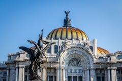 帕拉西奥de贝拉斯阿特斯艺术宫殿-墨西哥城,墨西哥 免版税库存照片