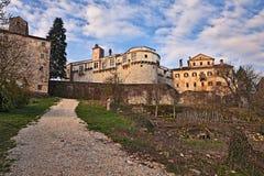 帕津, Istria,克罗地亚:古老城堡在老镇 图库摄影