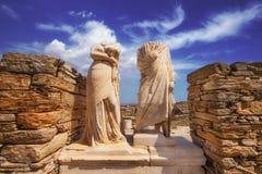 帕特拉和Dioskourides雕塑在帕特拉,提洛岛海岛议院里  免版税库存照片