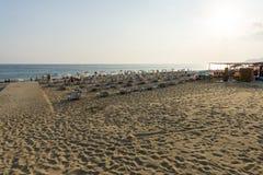 帕特拉市著名沙滩日落的 免版税图库摄影