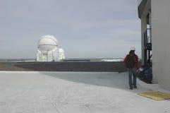 帕瑞纳山观测所的望远镜 库存图片