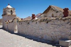 帕里纳科塔火山教会 免版税库存图片