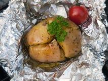 带皮烤的土豆 库存照片