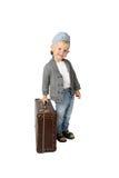 带着葡萄酒手提箱的小男孩 免版税库存照片