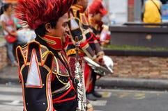 带音乐家在每年军乐队陈列时演奏单簧管 免版税库存照片