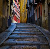带领前面的楼梯上色和亮光 免版税图库摄影