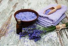 常春藤淡紫色肥皂温泉毛巾 库存图片
