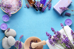 常春藤淡紫色肥皂温泉毛巾 免版税库存图片