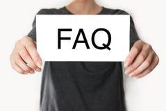 常见问题解答 女性显示的卡片 免版税库存照片