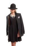 戴黑帽会议的女性模型 库存图片