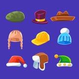 帽子和盖帽的不同的类型,温暖优等孩子成人的设置了动画片五颜六色的传染媒介衣物项目 免版税库存图片