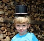 帽子的小男孩 库存图片