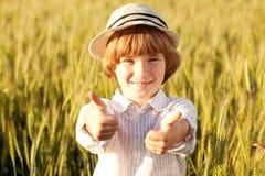 帽子的男孩 免版税库存图片