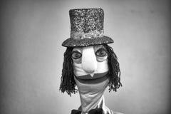 帽子黑&白色画象的布袋木偶绅士在白色背景 免版税图库摄影