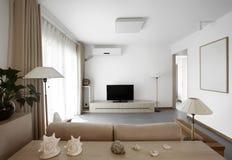 干净和典雅的家庭内部。 库存照片