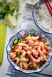 干净的吃沙拉用小龙虾 免版税库存照片