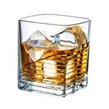 干净的威士忌酒-在白色背景隔绝的冰块 免版税库存图片
