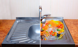 干净的水槽比较以充分肮脏的餐具一 库存图片