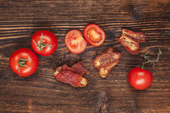 干和新鲜的蕃茄 免版税图库摄影