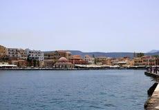 干尼亚州老镇,克利特,希腊Famouse威尼斯式港口江边  库存照片