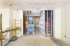干式墙和构成在建造场所 库存照片