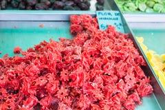 干木槿flowers弗洛尔de hibiscus在锡内乌市场摊位的待售,马略卡 库存照片