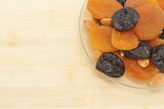 干果子、修剪和杏干 免版税图库摄影