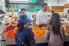 干果子在绿色义卖市场,阿尔玛蒂的待售 免版税图库摄影