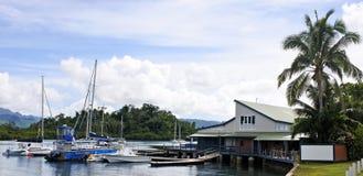 干椰肉棚子小游艇船坞Savusavu瓦努阿岛海岛斐济 免版税图库摄影