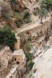 干河床近到圣乔治Hosevit在旱谷Kelt的3月Jaris修道院在Mitzpe Yeriho附近在以色列 免版税图库摄影