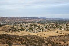 干燥天旱南加州郊区居民 库存图片