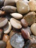 干燥海滩小卵石 库存图片