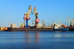 干燥货物Rusich-11马达船 免版税库存图片