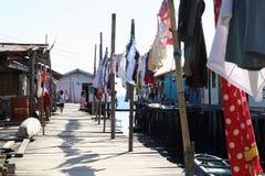 干燥洗衣店在渔夫村庄 免版税图库摄影