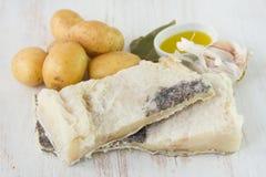 干盐味的鳕用土豆 免版税库存照片