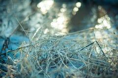 干草在早期的春天在一个晴天 库存照片
