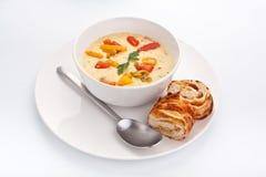 干酪和蔬菜奶油色汤 免版税图库摄影