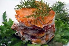 干酪接近的乳脂状的三文鱼抽烟了  免版税库存照片