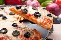 干酪橄榄薄饼 库存照片