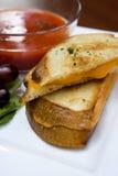 干酪烤三明治汤蕃茄 库存图片