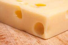 干酪emmentaler瑞士 免版税图库摄影