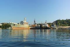 平均海罐车 库存图片