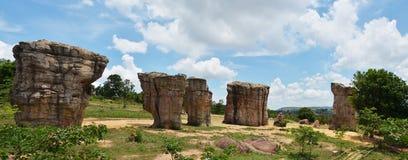 平均观测距离在泰国的CHAIYAPHUM巨石阵的HIN KHAOW 免版税库存图片