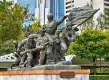 平壤,北部KOREA-OCTOBER 13,2017 :在t以后的雕刻的小组 免版税图库摄影